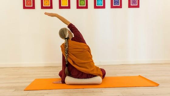 lucia-vigiani-pratica-integrata-himalayan-yoga-institute
